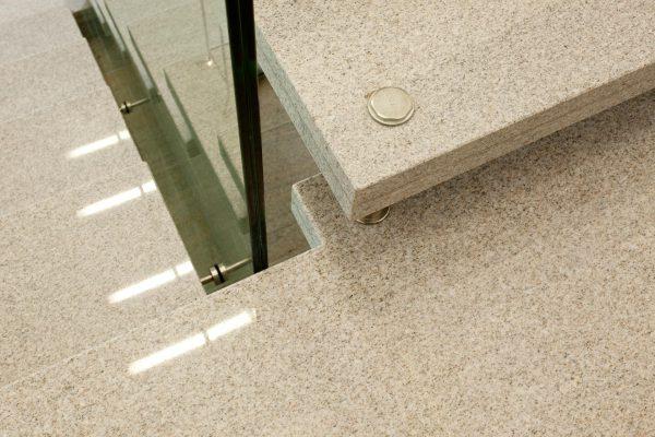 drossel fiedler treppe naturstein imperial white 0761