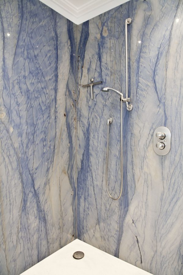 drossel zentgraf bad naturstein azul macaubas thassos 9385